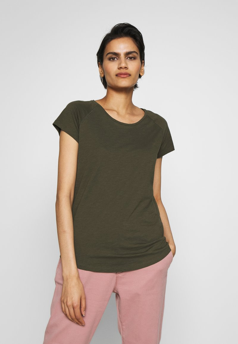 CLOSED - Basic T-shirt - shadow green