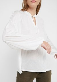 CLOSED - WOMEN´S  - Long sleeved top - ivory - 5
