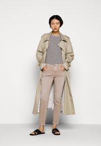 CLOSED - WOMEN´S - Long sleeved top - black - 1