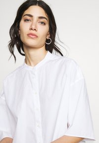 CLOSED - TULIP - Button-down blouse - white - 3
