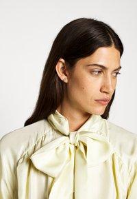 CLOSED - ELISA - Camicia - buttermilk - 4