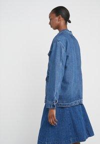 CLOSED - DEAR - Veste en jean - mid blue - 2