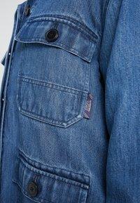 CLOSED - DEAR - Veste en jean - mid blue - 4
