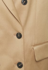 CLOSED - EDESSA - Blazer - clay