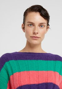 CLOSED - Jumper - multi color - 3