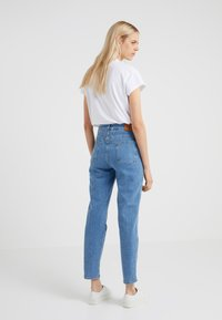 CLOSED - PEDAL PUSHER - Relaxed fit jeans - mid blue - 2