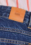 CLOSED - PEDAL PUSHER - Jean boyfriend - blue marble wash
