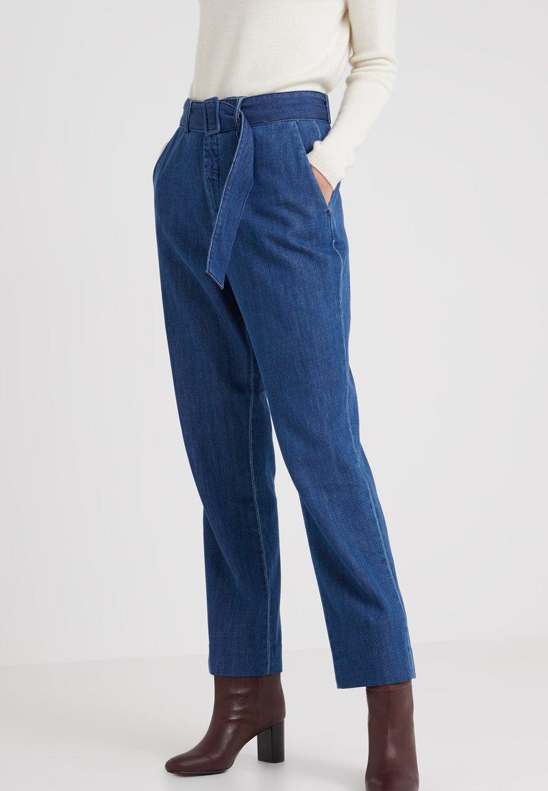 CLOSED - MILLA - Jeans a zampa - dark blue wash