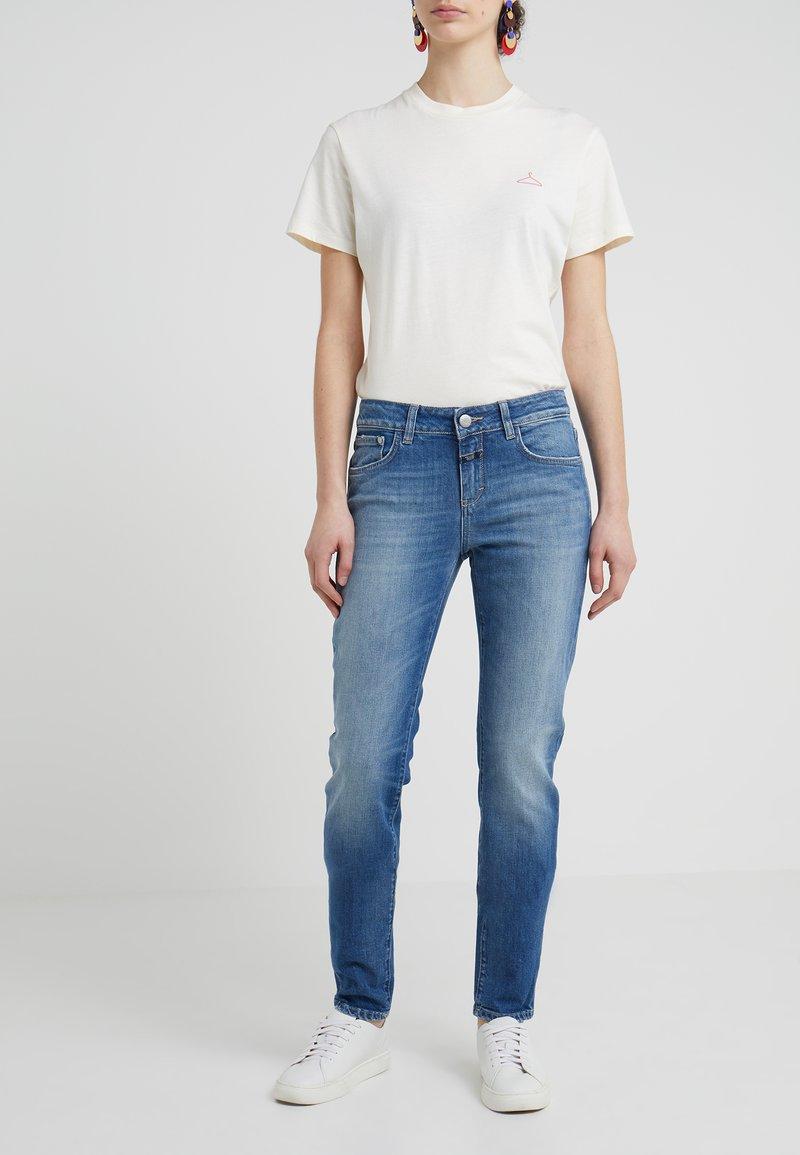 CLOSED - BAKER LONG - Slim fit jeans - mid blue
