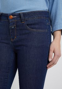 CLOSED - BAKER - Jeans Slim Fit - dark blue - 5