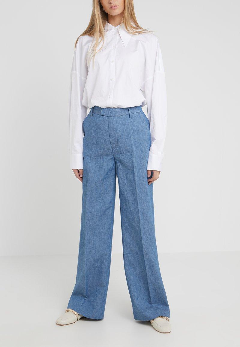 CLOSED - LYN - Pantalones - mid blue