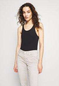CLOSED - BAKER - Slim fit jeans - lama - 3