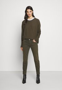 CLOSED - BAKER - Jean slim - shadow green - 1