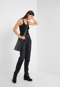 CLOSED - PEDAL PUSHER - Jeans Relaxed Fit - dark grey - 1
