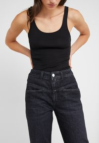 CLOSED - PEDAL PUSHER - Jeans Relaxed Fit - dark grey - 3