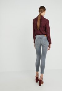 CLOSED - PEDAL - Jeans Slim Fit - light grey - 2