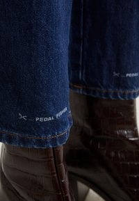 CLOSED - PEDAL PUSHER - Jeans Relaxed Fit - dark blue - 5