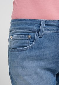 CLOSED - BAKER - Jeans Slim Fit - mid blue - 5