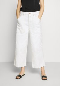 CLOSED - LEYTON - Relaxed fit jeans - ivory - 0