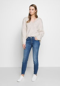 CLOSED - BAKER LONG - Jeans Skinny Fit - mid blue - 1