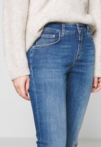CLOSED - BAKER LONG - Jeans Skinny Fit - mid blue - 3