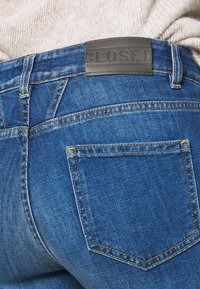 CLOSED - BAKER LONG - Jeans Skinny Fit - mid blue - 5