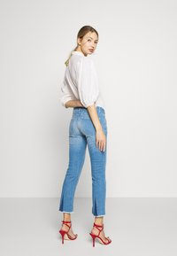 CLOSED - STARLET - Flared Jeans - mid blue - 2