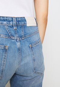 CLOSED - CROPPED X - Relaxed fit jeans - mid blue - 4