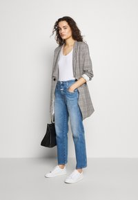 CLOSED - CROPPED X - Relaxed fit jeans - mid blue - 1
