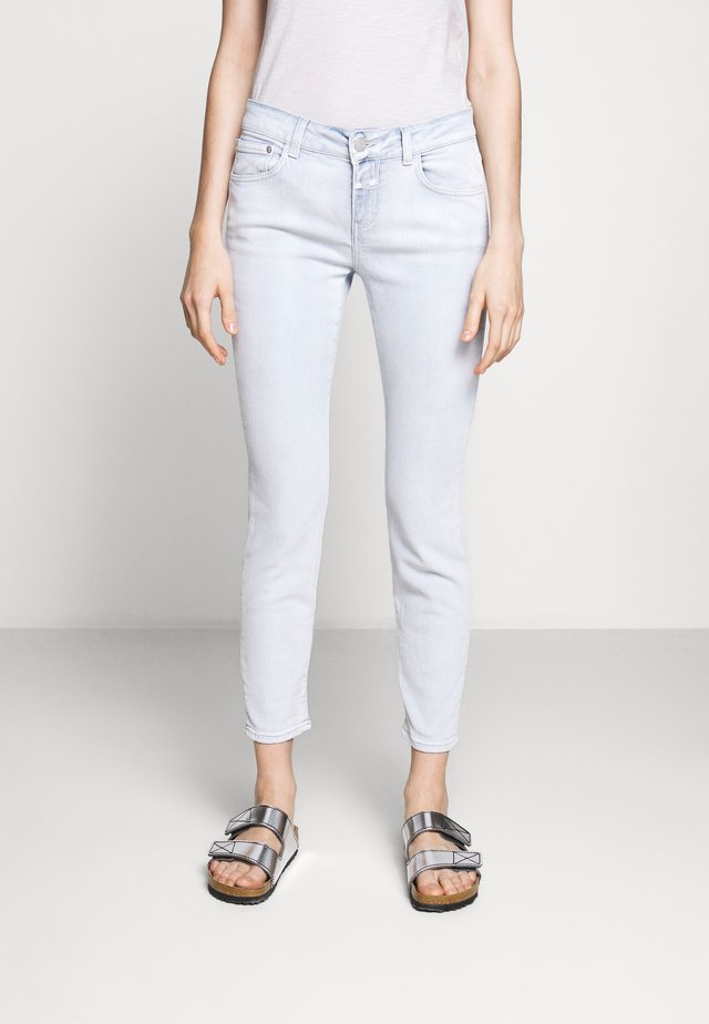 BAKER MID WAIST CROPPED LENGTH - Jeans Slim Fit - extrem light