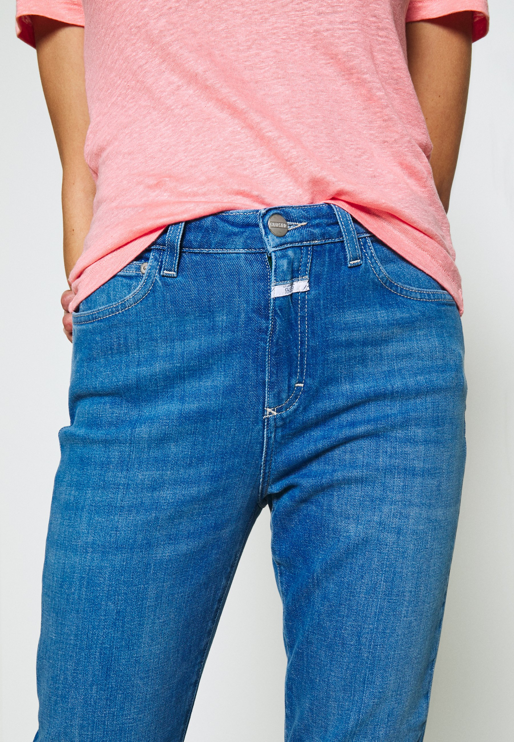 CLOSED BAKER HIGH HIGH WAIST CROPPED LENGTH - Jeansy Slim Fit - mid blue