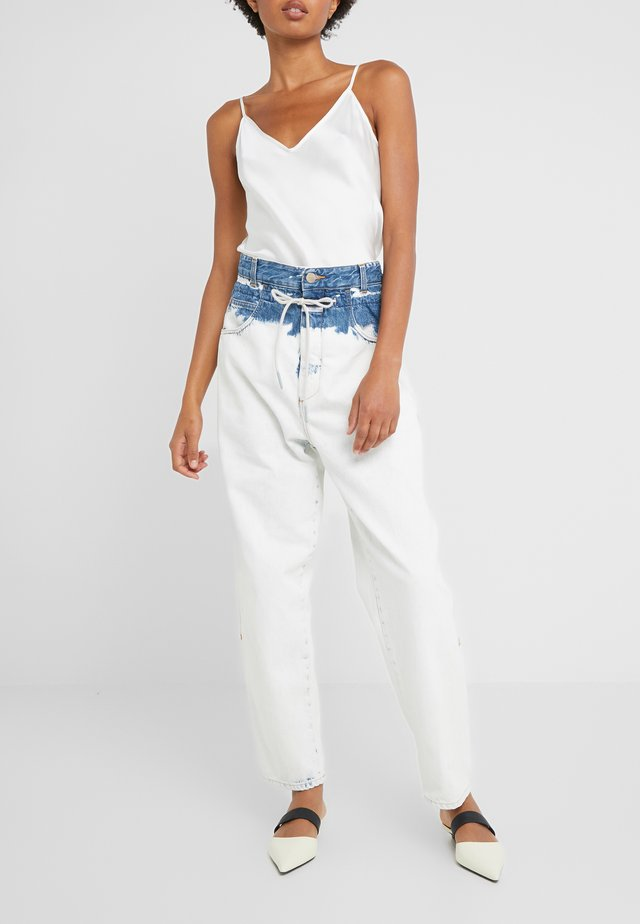 LEXI HIGH WAIST LONG LENGTH - Relaxed fit jeans - extrem light
