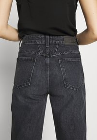 CLOSED - PEDAL PUSHER - Relaxed fit jeans - dark grey - 6