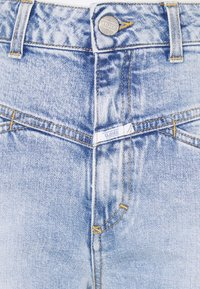 CLOSED - PEDAL PUSHER - Jeans a sigaretta - light blue - 2