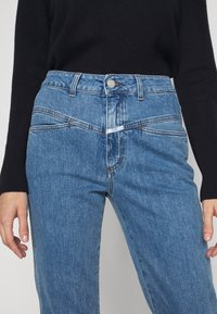CLOSED - PEDAL PUSHER - Straight leg jeans - mid blue - 5