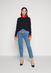 CLOSED - PEDAL PUSHER - Straight leg jeans - mid blue - 1