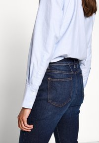 CLOSED - BAKER HIGH - Jeans slim fit - dark blue - 3
