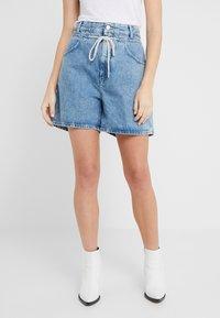 CLOSED - LEXI - Denim shorts - mid blue - 0