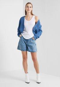CLOSED - LEXI - Denim shorts - mid blue - 1