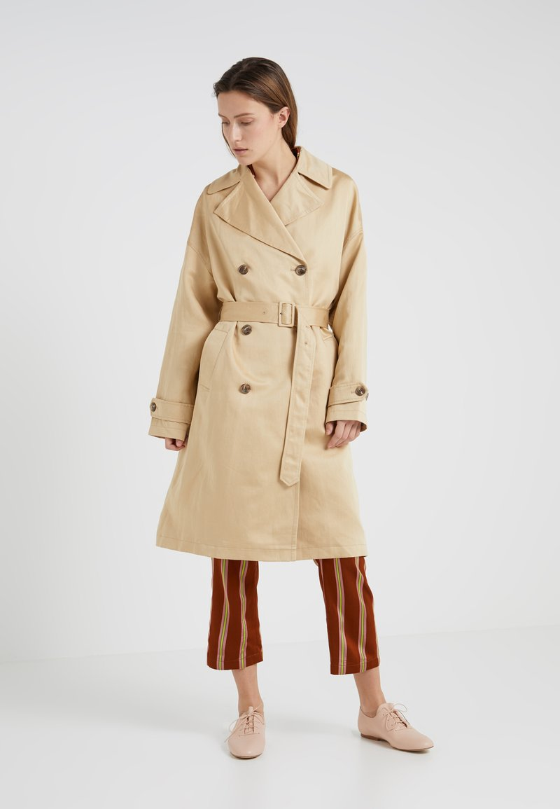 CLOSED - EDINBURGH - Trenchcoat - sahara