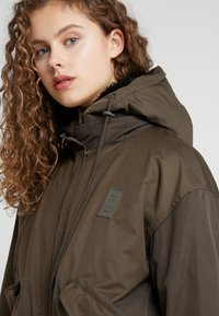 CLOSED - MITCHELL - Parka - sea tangle - 5