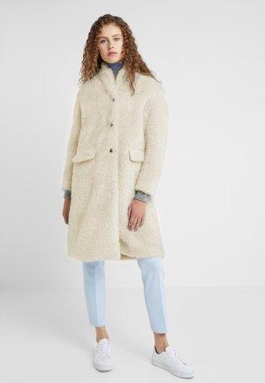 ALFIE - Zimní kabát - linen