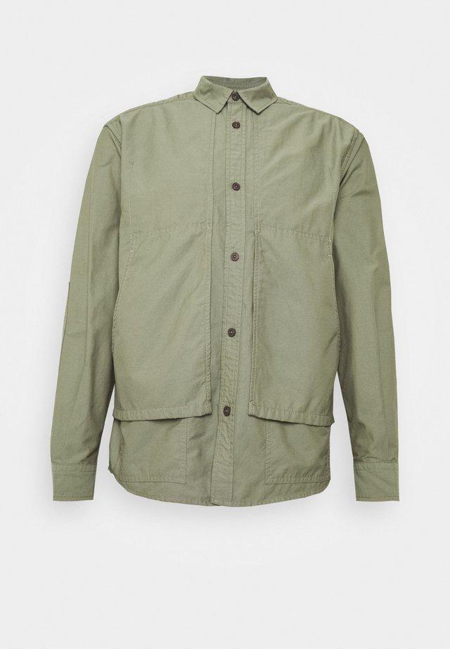 UTILITY  - Skjorter - soft khaki