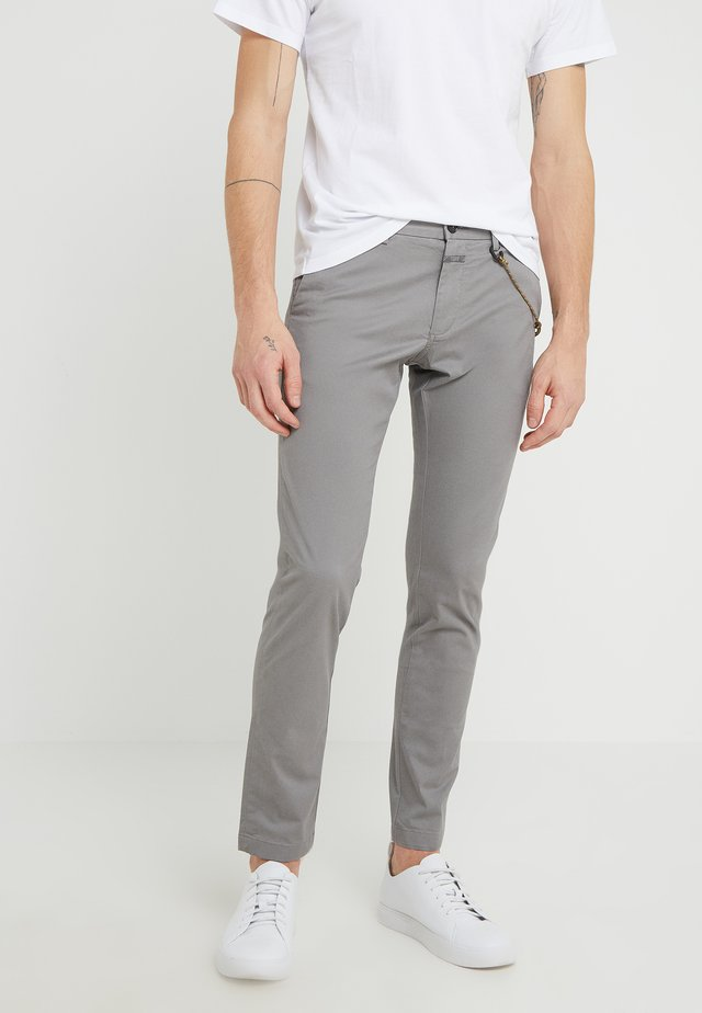 CLIFTON SKINNY - Chinosy - shade grey
