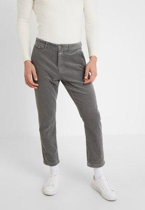 ATELIER CROPPED - Kalhoty - granite