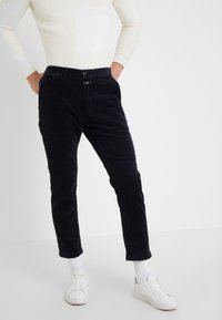 CLOSED - ATELIER CROPPED - Bukser - navy - 0