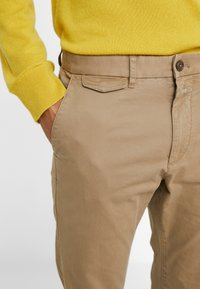 CLOSED - ATELIER CROPPED - Chino - tundra - 3