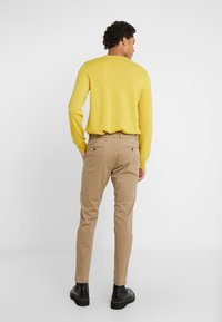CLOSED - ATELIER CROPPED - Chino - tundra - 2