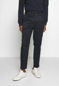 CLOSED - BOSTON RELAXED - Spodnie materiałowe - dark night - 0