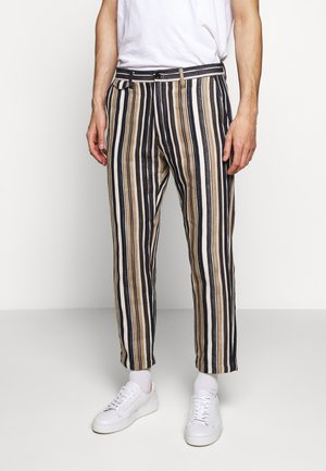 ATELIER CROPPED - Trousers - golden oak